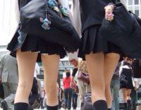 【パンチラ画像】夏のJK女子高生の超ミニスカ率wwwJKはミニスカに限るわwwwwww